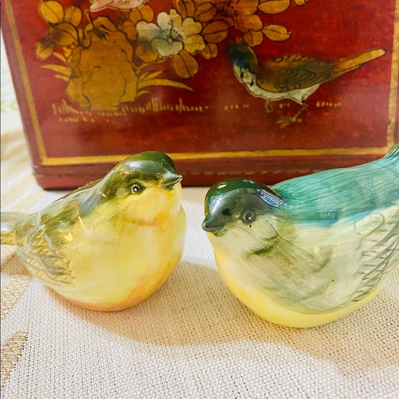 Vintage Other - Sweet Bird Salt and Pepper Shakers